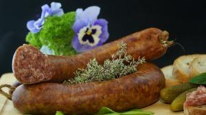 sausage-556491_1920